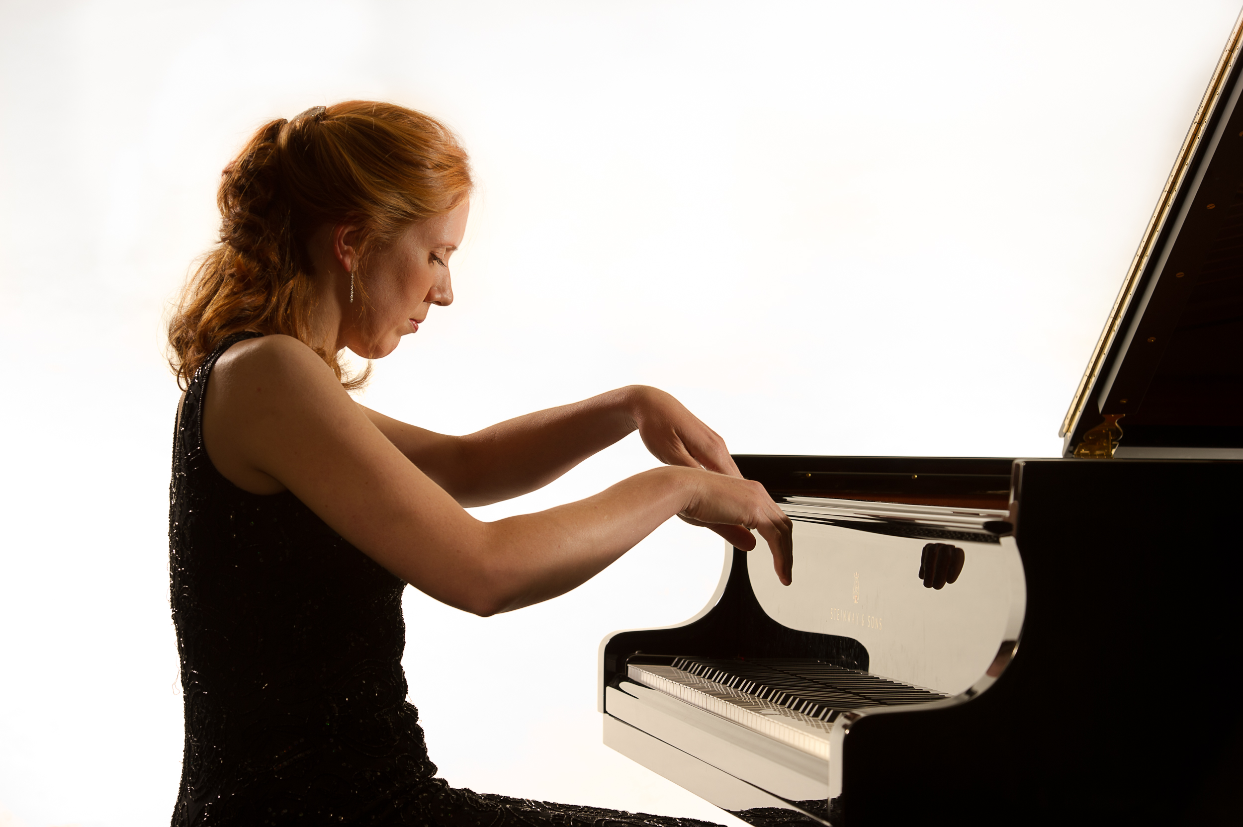 playing the piano Ms create: playing the piano friday 25 august 2017 hannah smith hello there,  my name is hannah and i was diagnosed with relapsing remitting ms in.