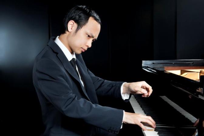 16-10-06-nicholas-young-piano-web_orig