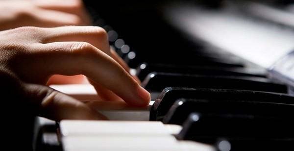 piano-lessons-600x308